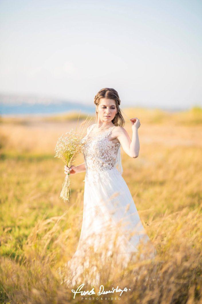 yasemin ve burak ayvalık cunda edremit balıkesir dış mekan doğa düğün fotoğraf çekimi (11)