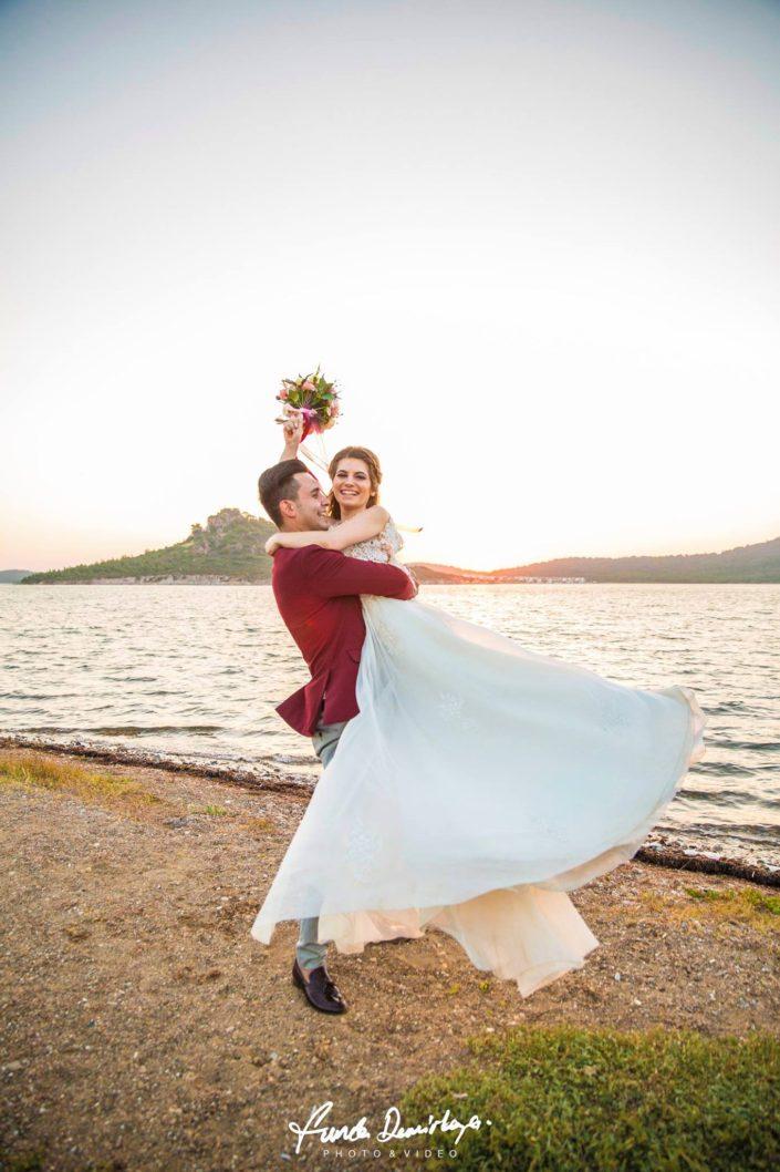yasemin ve burak ayvalık cunda edremit balıkesir dış mekan doğa düğün fotoğraf çekimi (13)