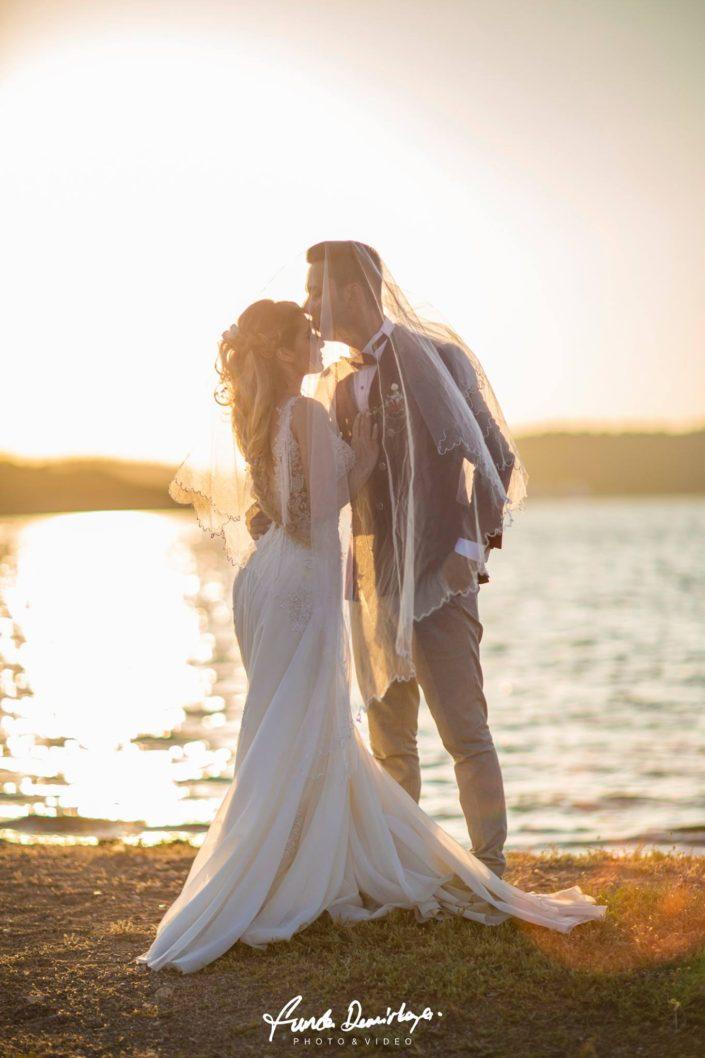 yasemin ve burak ayvalık cunda edremit balıkesir dış mekan doğa düğün fotoğraf çekimi (8)